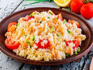 Арабска салата с кус кус, чери домати и нахут от консерва